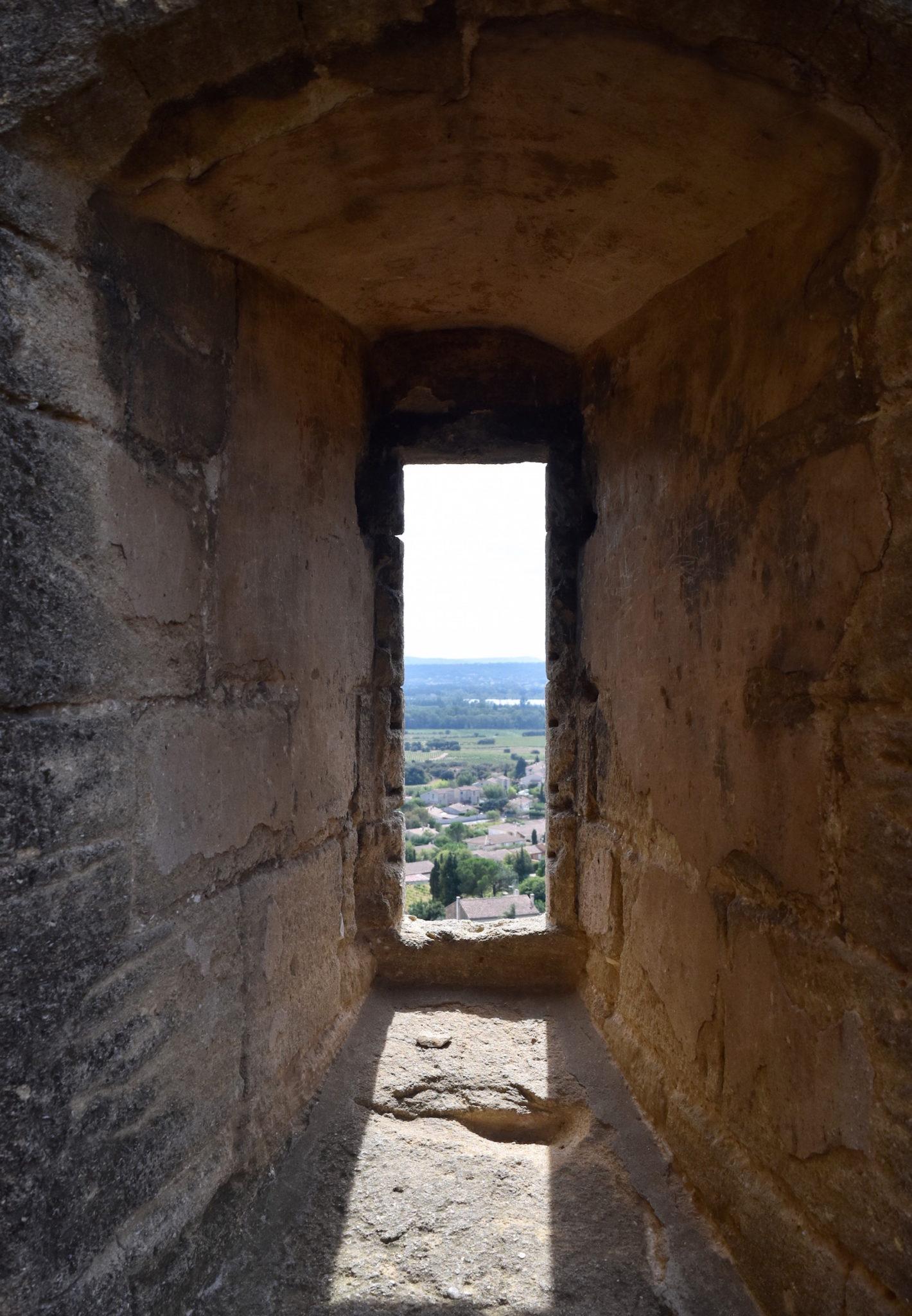 Châteauneuf-du-Pape - A Lovely Planet - Castle