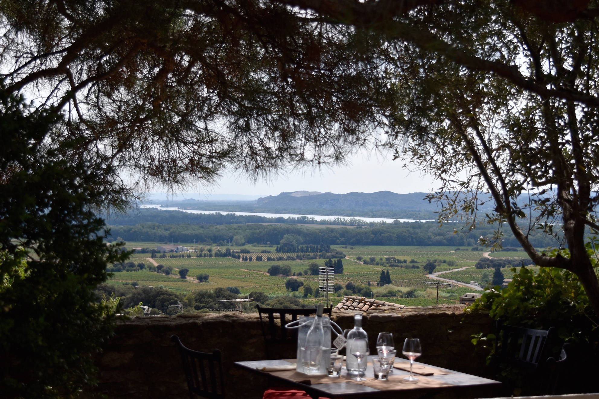 a-lovely-planet-chateauneuf-du-pape-restaurant