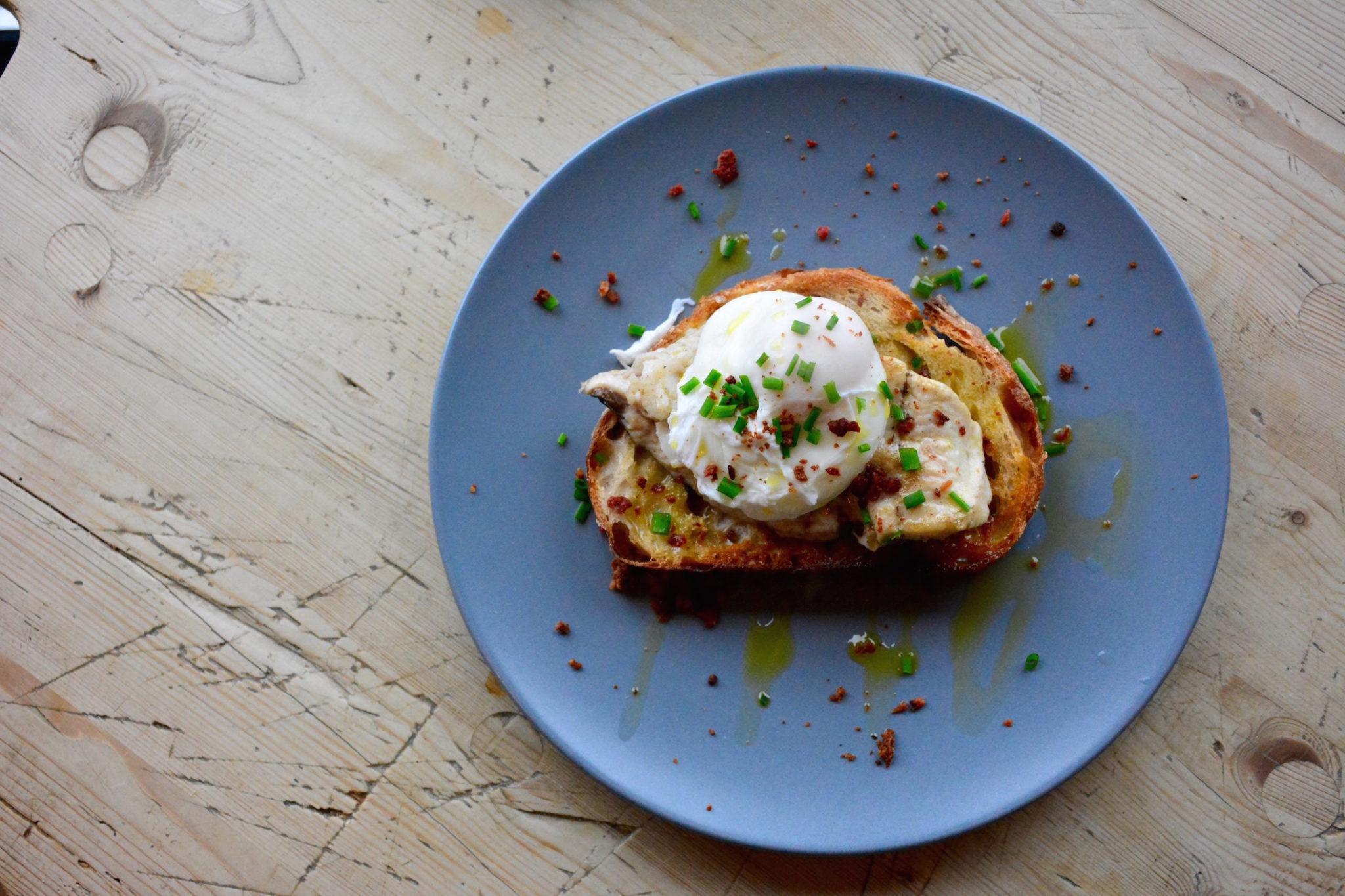 a-lovely-planet-breakfast-at-babuska