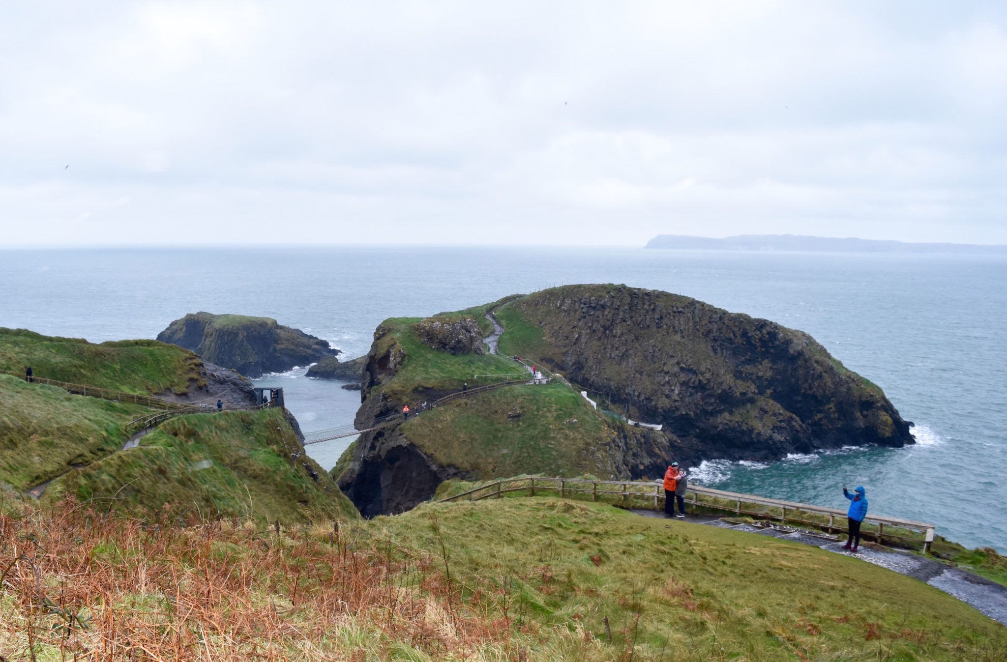 a-lovely-planet-carrick-a-rede-bridge