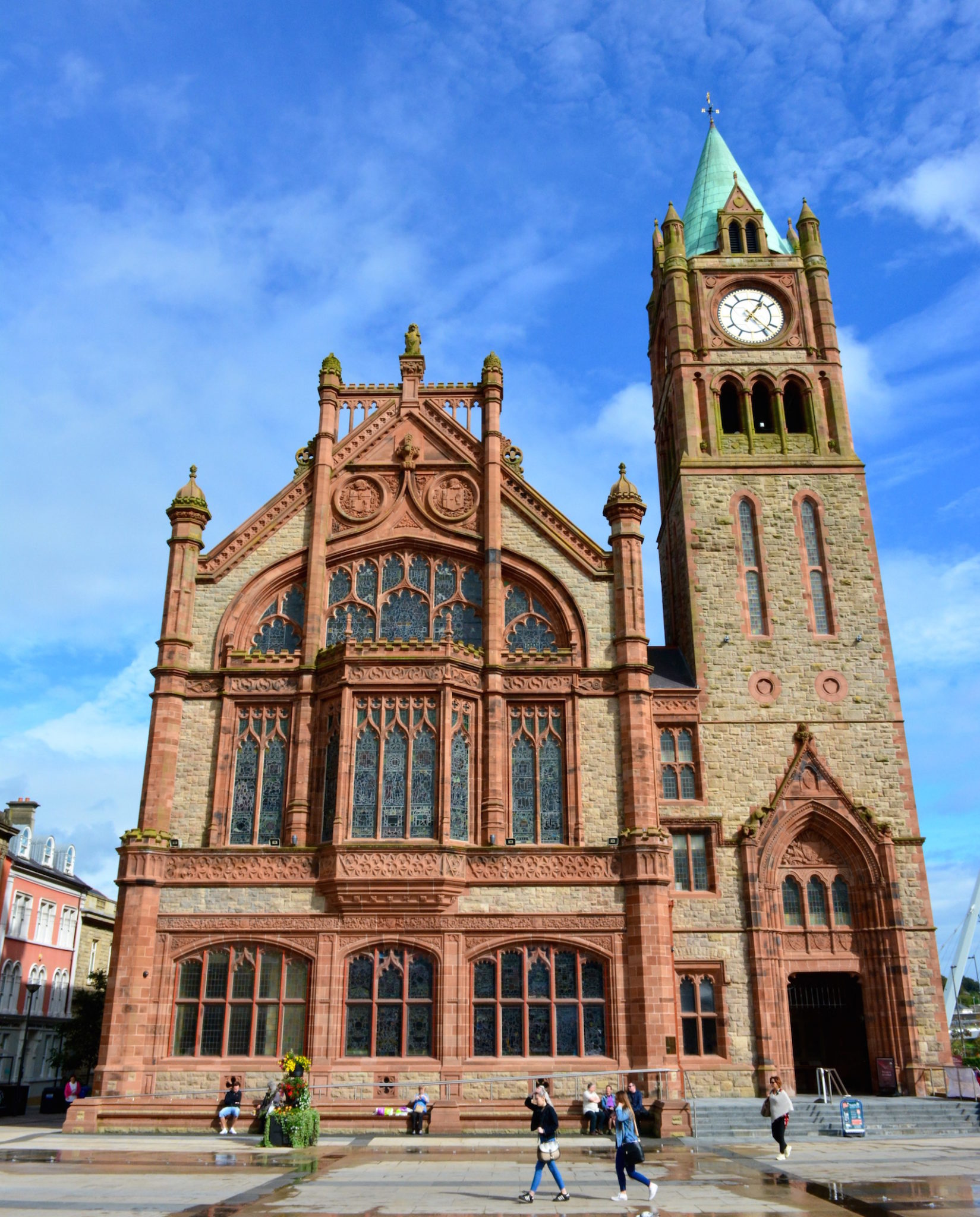 a-lovely-planet-derry-guildhall